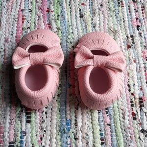 Shoes - 6.5 Pink Baby Toddler Bow Moccasins Minimalist